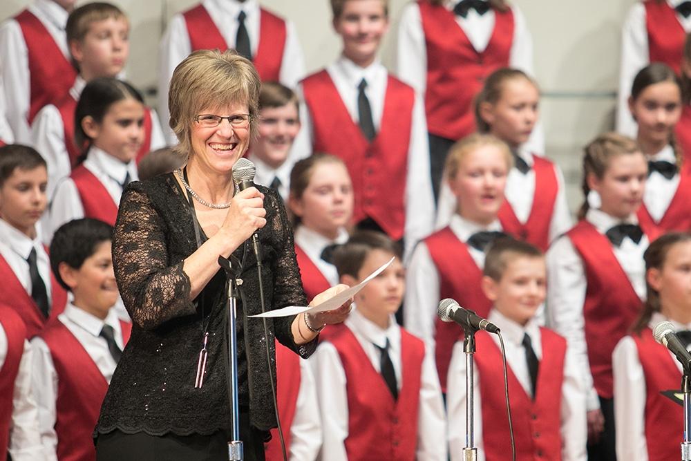Shenandoah Valley Children's Choir under the direction of Janet Hostetler (EMHS class of 1983).