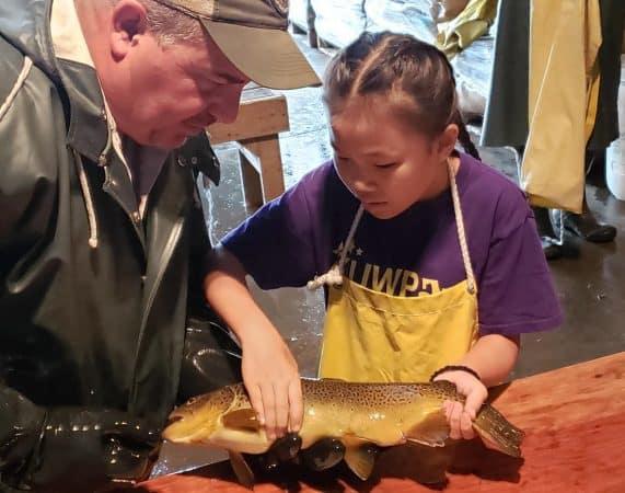 6th grade visits fish hatchery