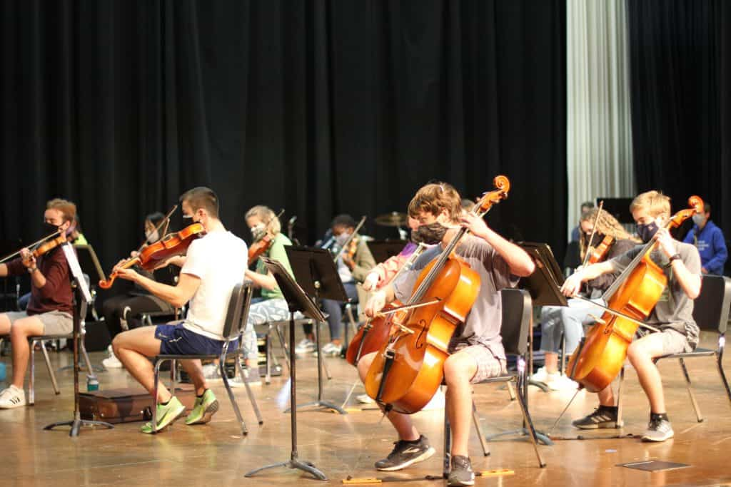 Orchestra performs for faculty and staff in spring 2021