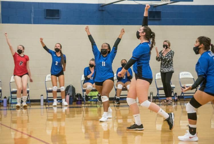 Girls varsity volleyball. Photo by Daniel Lin, Daily News Record